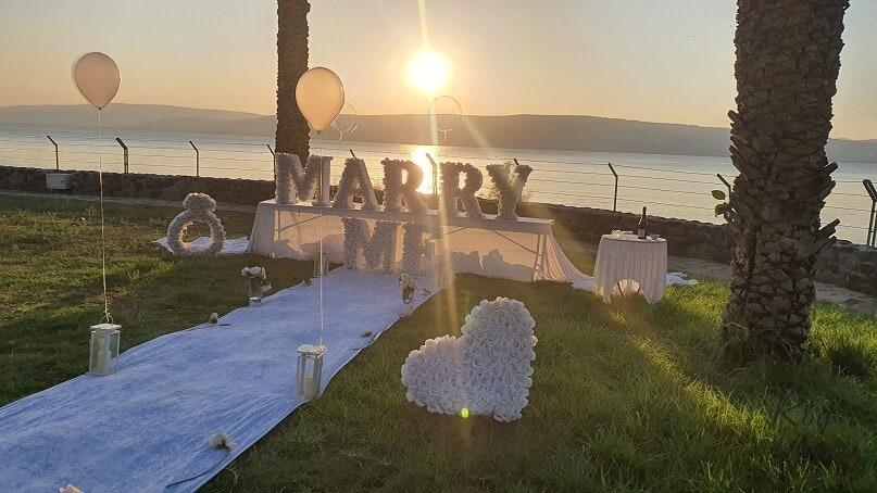 הצעת נישואין בכנרת עין גב בצפון אילון & רינתיה(18.11.20)00015