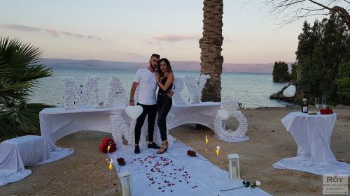הצעת נישואין בטבריה חוף בכנרת 15.7.19